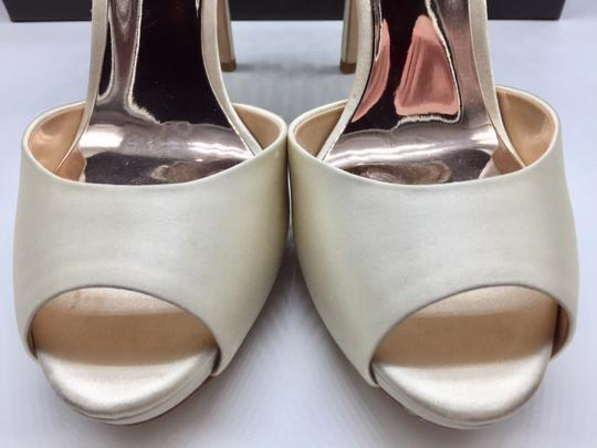 Badgley Mischka Ivory Vanity Crystal Embellished Pumps Size US 6.5 Regular (M, B) Image 6