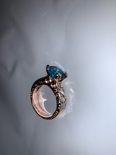 Fashion Hollow Plant Zircon Blue Gold Engagement Ring for Female Two-tone Flower Rhinestone Wedding Rings for Women Jewelry Ring Fashion Hollow Plant Zircon Blue Gold Engagement Ring for Female Two-tone Flower Rhinestone Wedding Rings for Women Jewelry Ring Image 3
