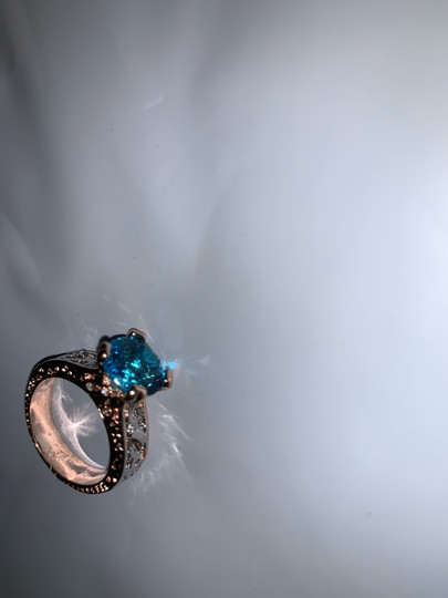 Fashion Hollow Plant Zircon Blue Gold Engagement Ring for Female Two-tone Flower Rhinestone Wedding Rings for Women Jewelry Ring Fashion Hollow Plant Zircon Blue Gold Engagement Ring for Female Two-tone Flower Rhinestone Wedding Rings for Women Jewelry Ring Image 4