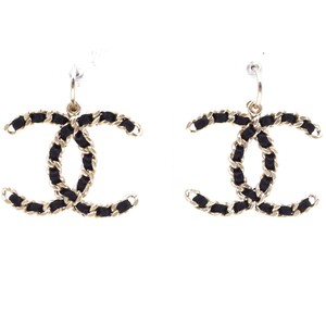 Chanel Rare CC XXL Leather through chain Gold hardware dangle earrings