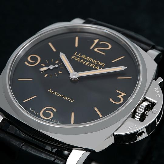 Panerai Panerai Luminor Due PAM00674 45MM Black Dial With Leather Bracelet Image 2