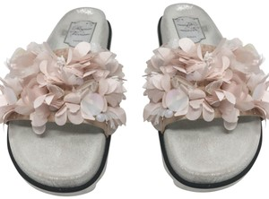 125222e917a1 Roger Vivier Sandals Up to 90% off at Tradesy