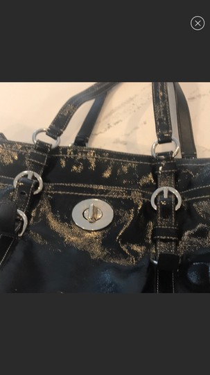 Coach Tote in black Image 2