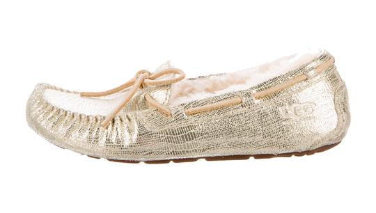 Preload https://img-static.tradesy.com/item/25241974/ugg-australia-gold-tone-moccasin-sherpa-loafers-flats-size-us-8-regular-m-b-0-0-540-540.jpg