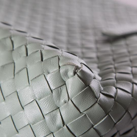 Bottega Veneta Tote in Green Image 5