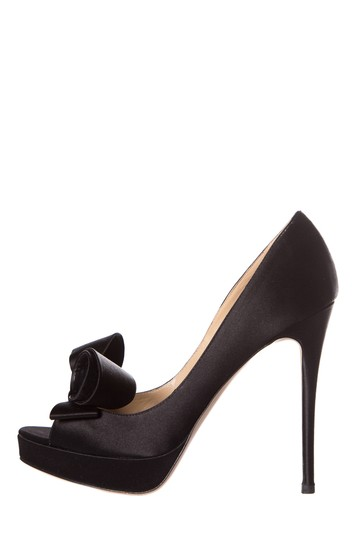 Preload https://img-static.tradesy.com/item/25242178/valentino-black-satin-peep-toe-pumps-size-eu-375-approx-us-75-regular-m-b-0-0-540-540.jpg