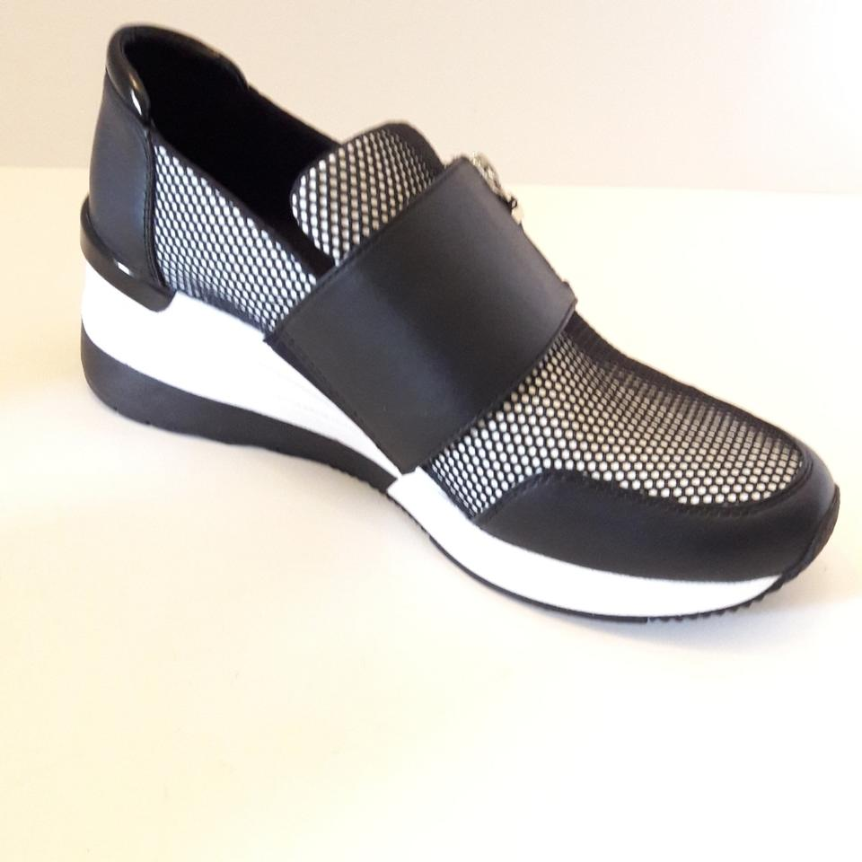 finest selection d75e7 bed0a Nike Black Chelsea Trainer Scuba Sneakers