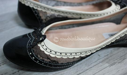 Moschino Patent Leather Wingtip Lace Bow Round Toe Black & Ivory Cream Flats Image 8