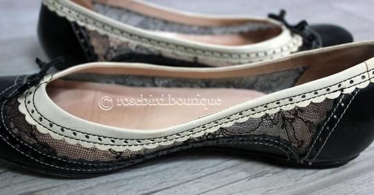 Moschino Patent Leather Wingtip Lace Bow Round Toe Black & Ivory Cream Flats Image 9