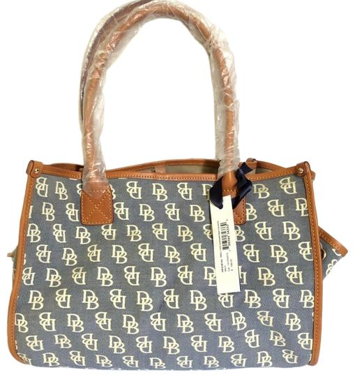Preload https://img-static.tradesy.com/item/25242621/dooney-and-bourke-signature-bluebrown-canvas-leather-tote-0-1-540-540.jpg