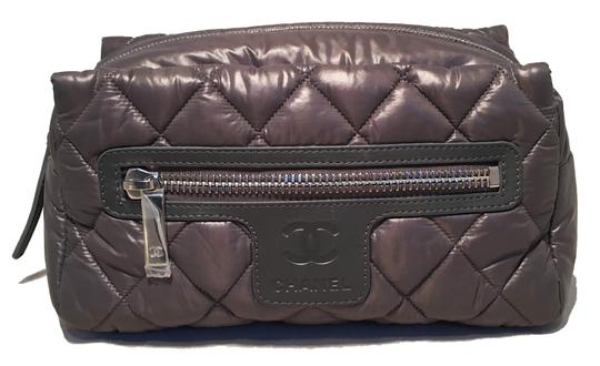Preload https://img-static.tradesy.com/item/25243199/chanel-grey-quilted-nylon-travel-pouch-cosmetic-bag-0-0-540-540.jpg