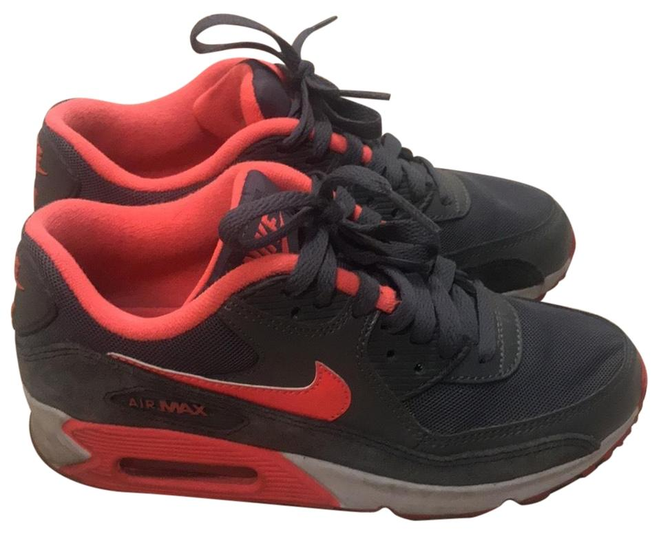 en soldes 629ce 89198 Nike Grey and Hot Pink Air Max Sneakers Size US 5.5 Regular (M, B)