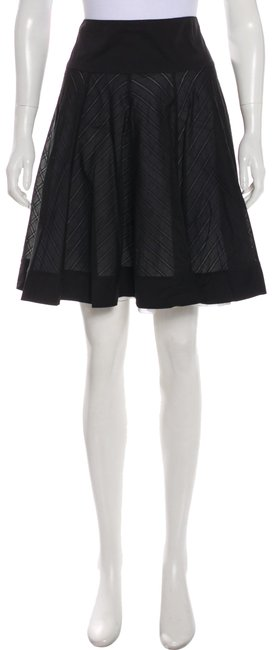 Item - Black Pleated Trumpet Skirt Size 6 (S, 28)