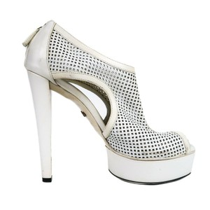 e75798ecd72 Women s White Gucci Shoes - Up to 90% off at Tradesy