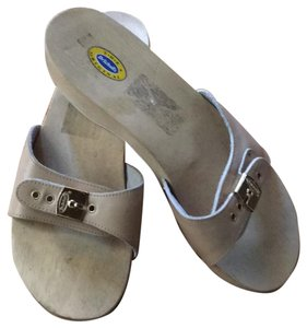 2008f30be61 Dr. Scholl s Sandals - Up to 90% off at Tradesy