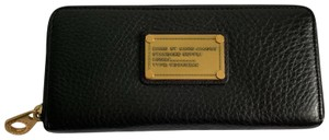 Marc by Marc Jacobs Black Classic Q Slip Leather Zip Around Wallet