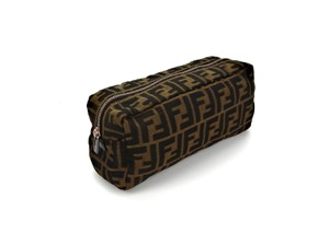 5a857b7538e1 Fendi Clutches on Sale - Up to 70% off at Tradesy