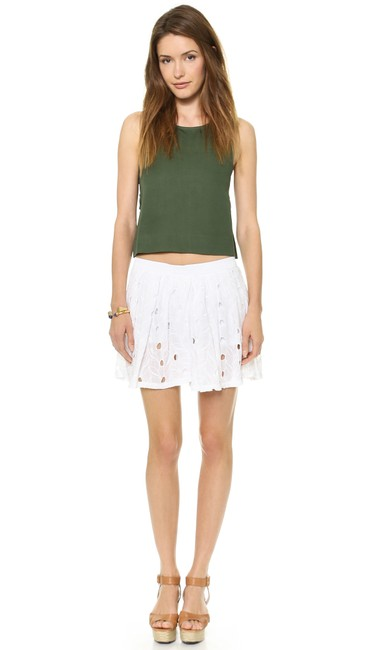 Preload https://img-static.tradesy.com/item/25248327/house-of-harlow-1960-white-dakota-shorts-size-4-s-27-0-0-650-650.jpg