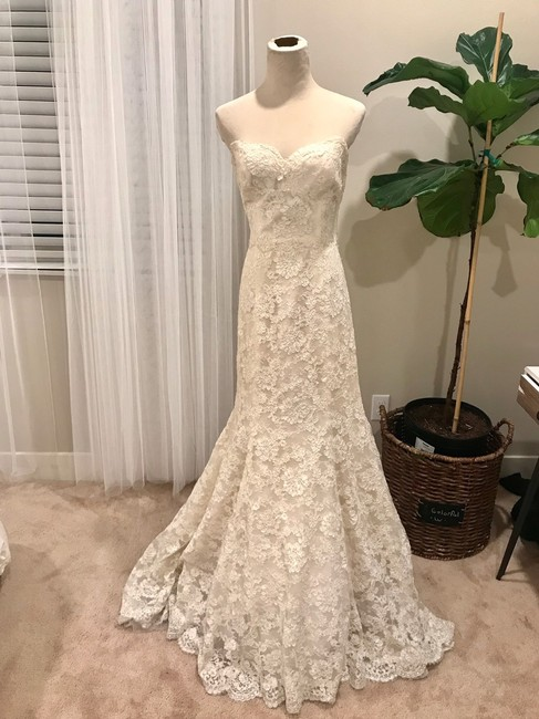 Bliss by Monique Lhuillier Lace Gown Formal Wedding Dress Size 6 (S) Bliss by Monique Lhuillier Lace Gown Formal Wedding Dress Size 6 (S) Image 1