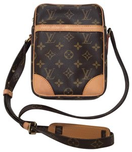 3679d363f97 Louis Vuitton Bags on Sale - Up to 70% off at Tradesy