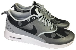 hot sale online 1f4e2 0d9ed Nike Black and Gray Athletic