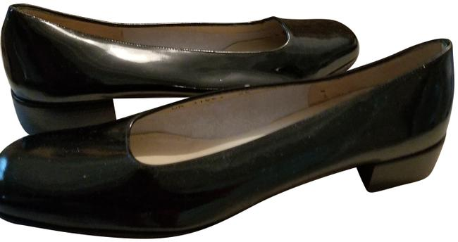 Item - Black Patent Flats Size US 7.5 Narrow (Aa, N)