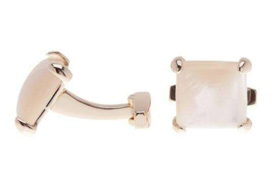 Preload https://img-static.tradesy.com/item/25250494/kendra-scott-mother-of-pearl-of-pearl-cuff-links-other-0-0-540-540.jpg