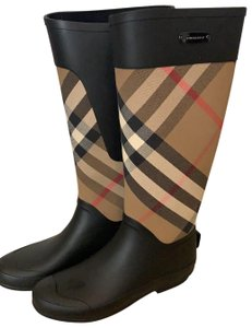0cb45b45aed Burberry Shoes on Sale - Up to 70% off at Tradesy