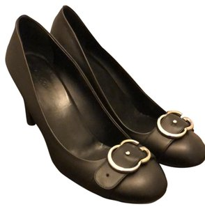 Gucci black leather with silver hardware Pumps