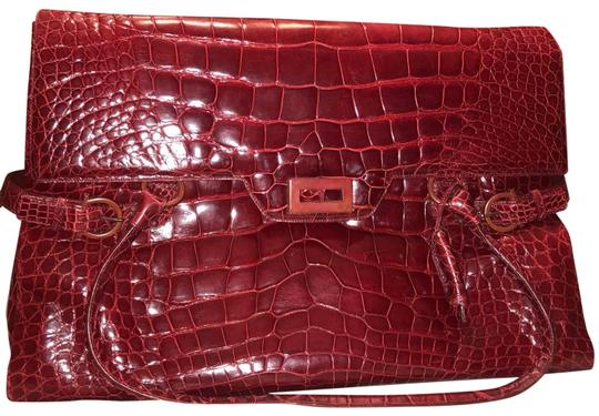 Preload https://img-static.tradesy.com/item/25252811/salvatore-ferragamo-weekender-burgundy-alligator-skin-leather-satchel-0-1-540-540.jpg