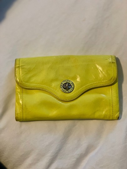 Marc Jacobs Wristlet in yellow Image 1