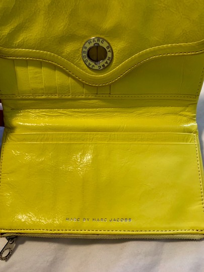 Marc Jacobs Wristlet in yellow Image 2