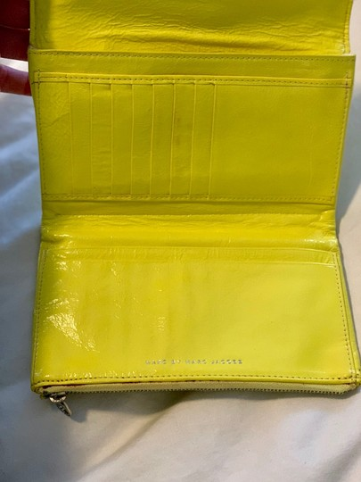 Marc Jacobs Wristlet in yellow Image 3