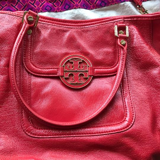 Tory Burch Satchel in coral Image 2