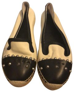 Alexander McQueen black and white Flats