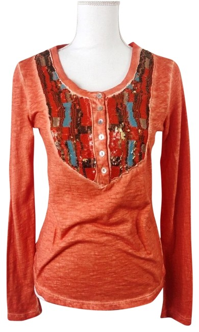 Preload https://img-static.tradesy.com/item/25253264/free-people-tiger-eyes-sequined-henley-tee-shirt-size-6-s-0-1-650-650.jpg