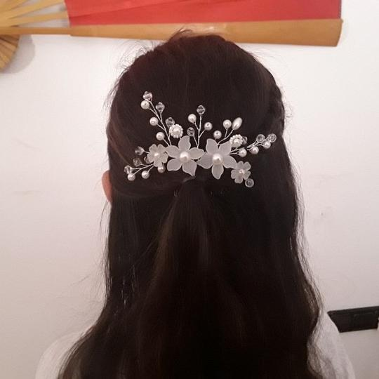 Hair Accessory Image 2