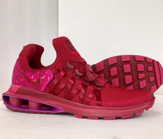 Nike red Athletic Image 4