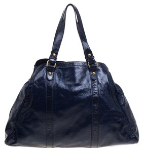 Fendi Leather Tote in Navy Blue
