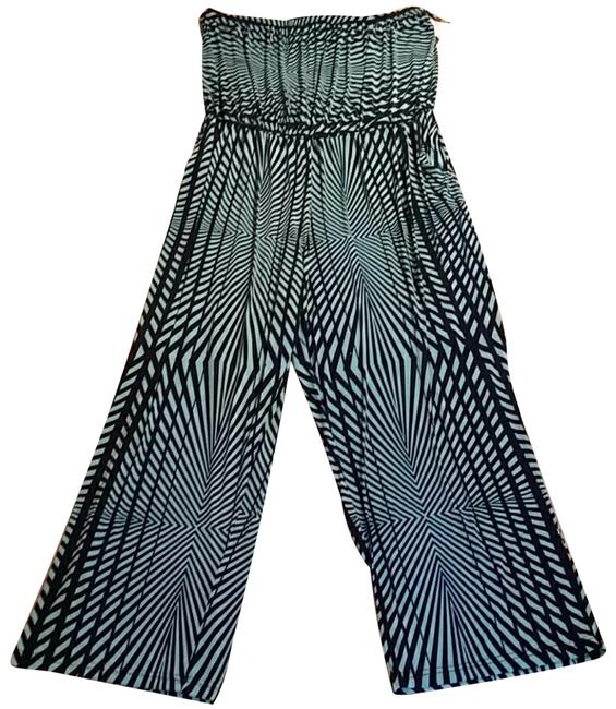 Preload https://img-static.tradesy.com/item/25253900/mlle-gabrielle-green-black-romperjumpsuit-0-2-650-650.jpg