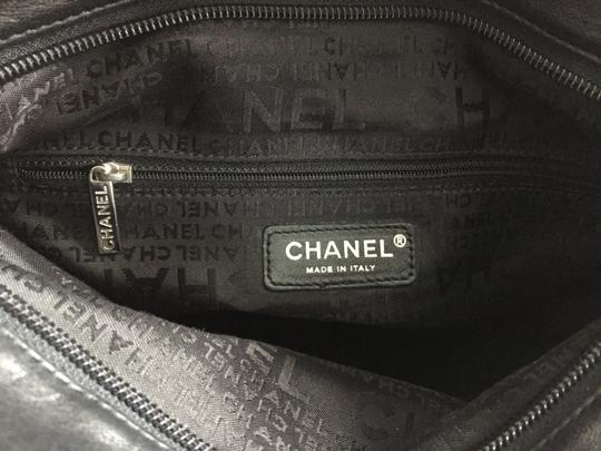 Chanel Hobo Lambskin Ultimate Soft Diamond Stitch Shoulder Bag Image 6