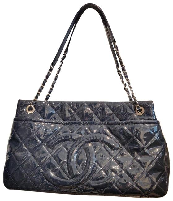 Item - Shopping Quilted Timeless Bag. Navy Blue Patent Leather Tote