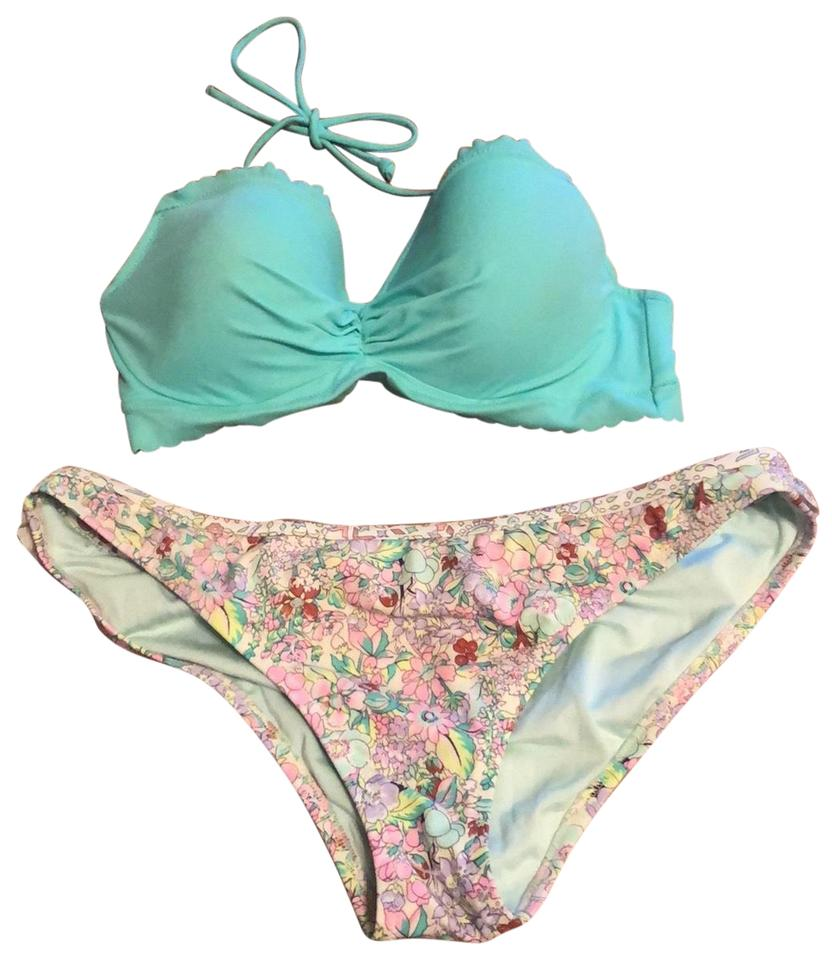 53bf97b9b3bfc Victoria's Secret Mint Green Flowered Cheeky Ruffled Bikini Set Size 12 (L)