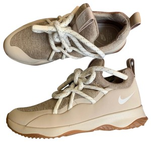 official photos 60ec6 60ad1 Nike Beige Tan Athletic
