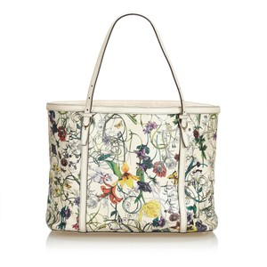 Gucci 9cguto123 Vintage Leather Tote in White