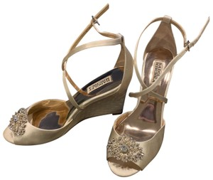 Badgley Mischka ivory Wedges