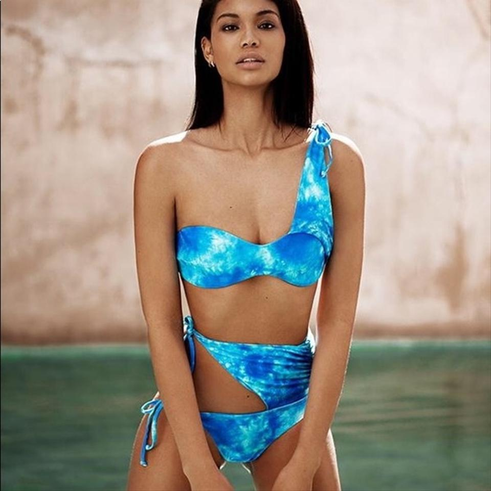 save up to 80% customers first extremely unique Beach Bunny Blue Chanel Wrap Tie Dye Swimsuit Skimpy Bikini Set Size 16  (XL, Plus 0x) 42% off retail
