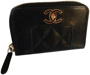 Chanel Black Diamond Quilted Mademoiselle Compact CC Zip Wallet