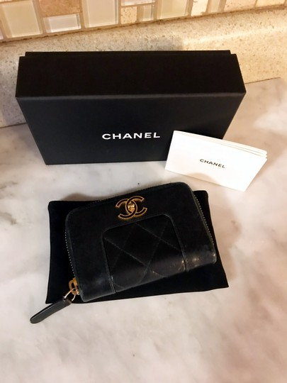 Chanel Black Diamond Quilted Mademoiselle Compact CC Zip Wallet Image 1