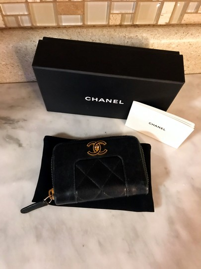 Chanel Black Diamond Quilted Mademoiselle Compact CC Zip Wallet Image 2